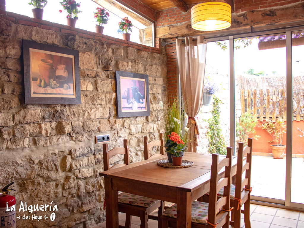 casa rural cuenca la alqueria del hoyo 1 mesa comedor
